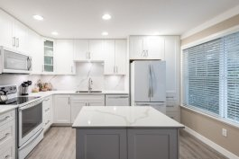 kitchen remodelling with island